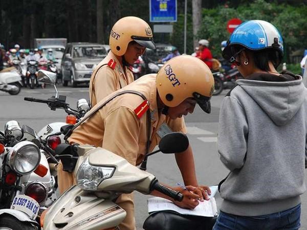 Lỗi không bảo hiểm xe máy bị phạt như thế nào?