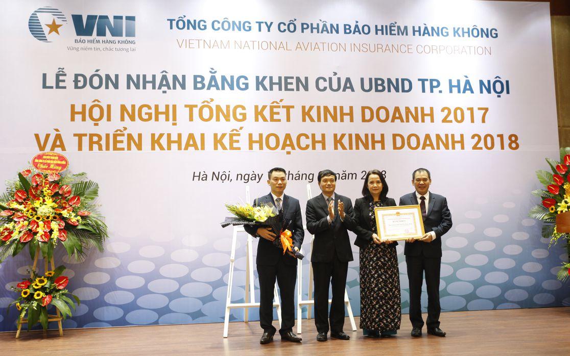 Bảo hiểm Hàng không (VNI) đón nhận Bằng khen của UBND TP.Hà Nội và Hội nghị tổng kết hoạt động kinh doanh năm 2017, triển khai kế hoạch kinh doanh 2018
