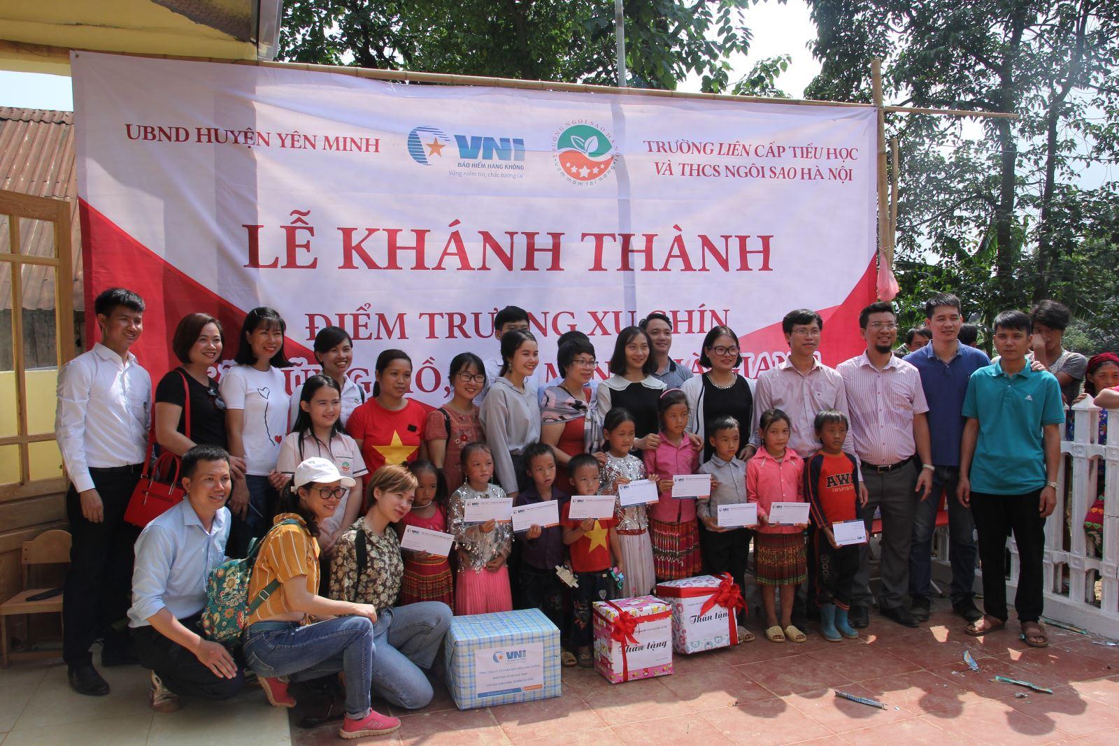 VNI chia sẻ yêu thương đến các em học sinh điểm trường Xu Chín, Hà Giang